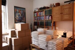 Dagens mange bogbestillinger er klar til forsendelse fra Østerbro Postkontor. Jeg forudser mange ture frem og tilbage mellem det posthus...